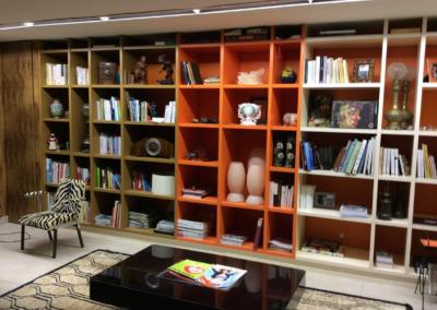 Etagères meubles spécifiques