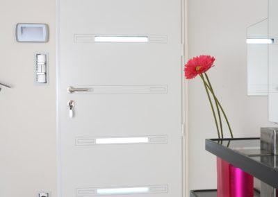 Porte entrée blanche moderne