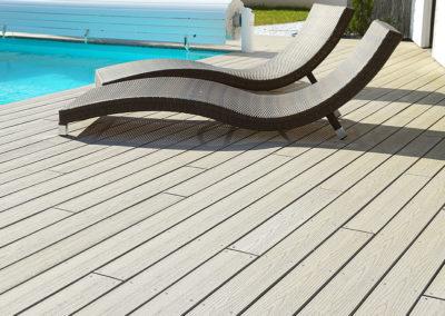 Terrasse composite - tour de piscine