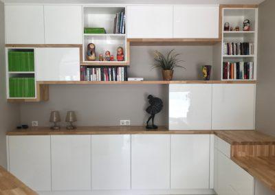 meubles spécifiques bois et blanc
