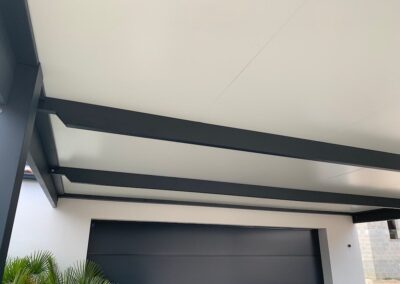 Le toit d'un carport par MSB